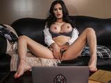 Incredibly HOT brunette wife Vanessa Veracruz masturbates on cam