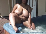 SHANICE 34JJ HOT TUB FUN