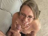 Nerdy girlfriend doesn't really like the taste of cum