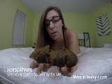 Girl Shitting On The Bed - Scat Videos