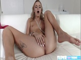 Skinny Emma wets herself and fucks dude